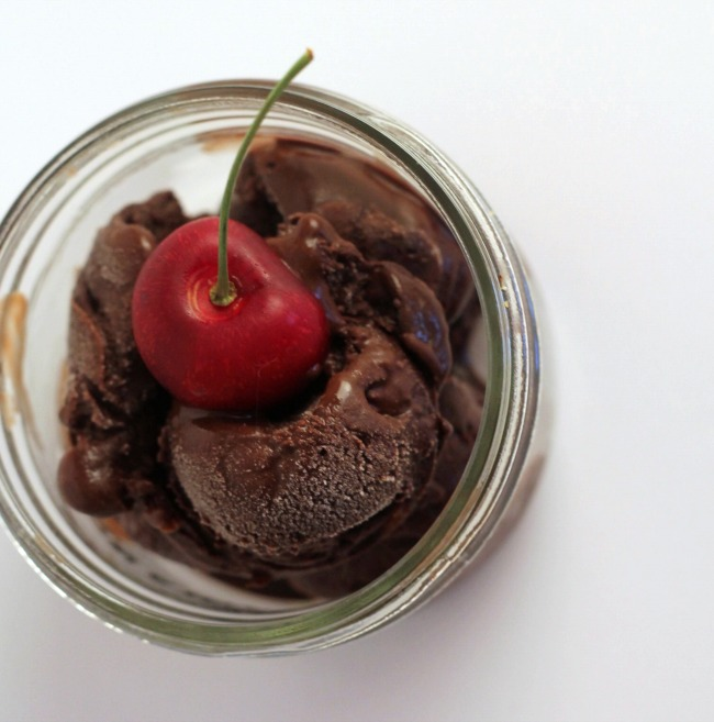 Chocolate Cherry Bourbon Ice Cream - Cooking By Laptop