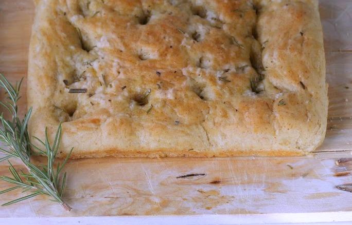 vegan-rosemary-olive-oil-foaccia-bread